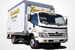 4.2 METER HINO FURNITURE TRUCK – Car Licence
